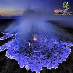 آتشفشانی با گدازه های آبی در اندونزی