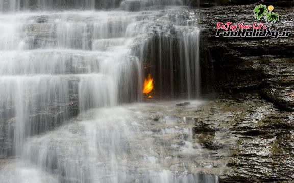 آبشار شعله ابدی نیویورک  رقص آتش میان آب